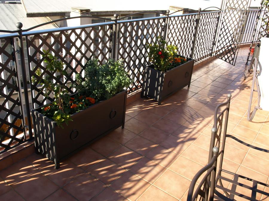 forja para terraza en pedralbes ballas division y jardineras