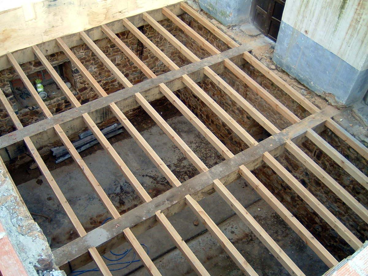 Foto forjado de madera de construcciones y reformas david for Tejados madera ourense