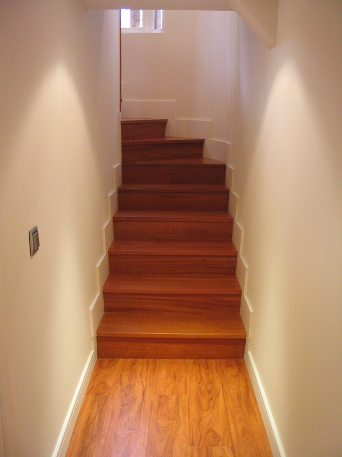 Forrado de escalera jatoba