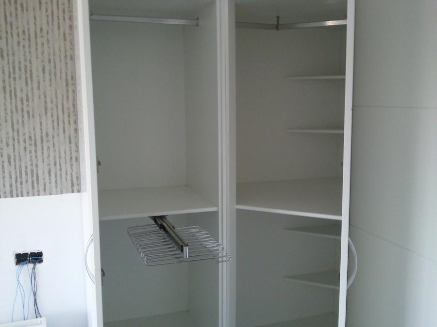 Foto interior armario de rinc n de arteva90 790161 - Armarios de rincon ...