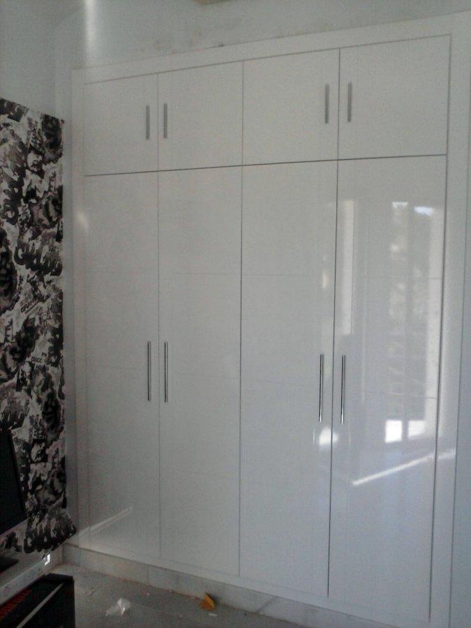 Foto frente de armario blanco alto brillo de cocinas - Armarios a medida malaga ...