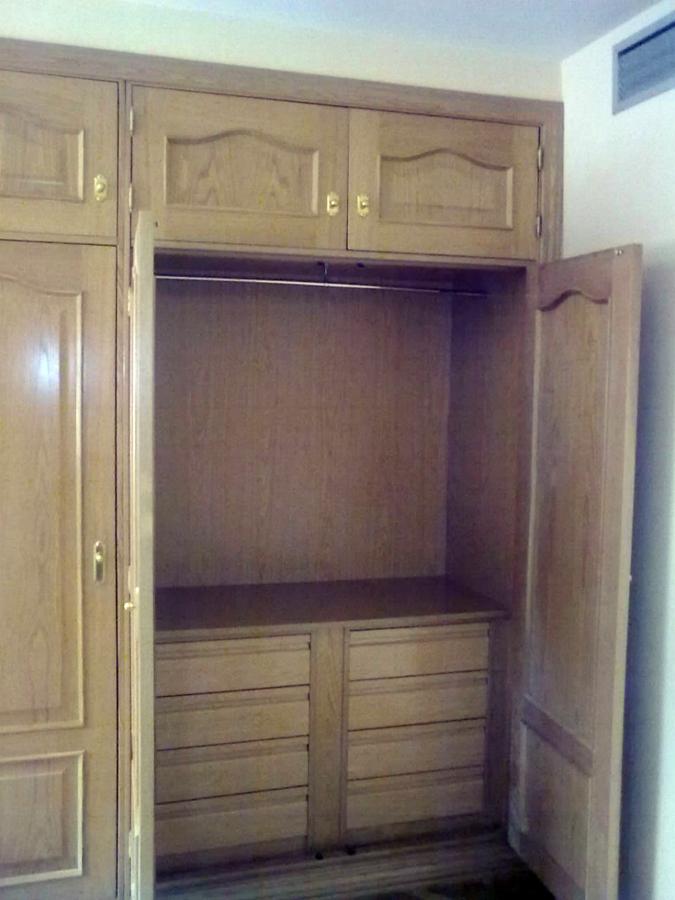 Frente e interior de armario