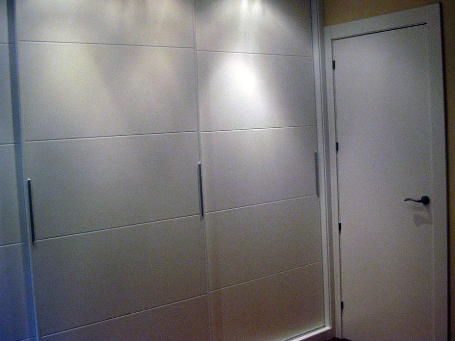 frentes de armario lacados a 4 lamas