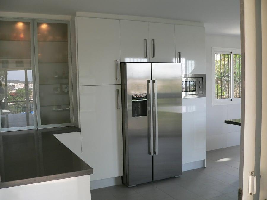Foto frigor fico americano de basika estudio de cocinas - Nevera americana medidas ...