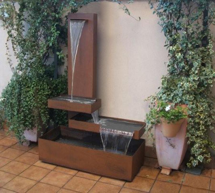 Foto fuente acero corten de jose fernando bernal tolmo for Fuentes minimalistas para jardin