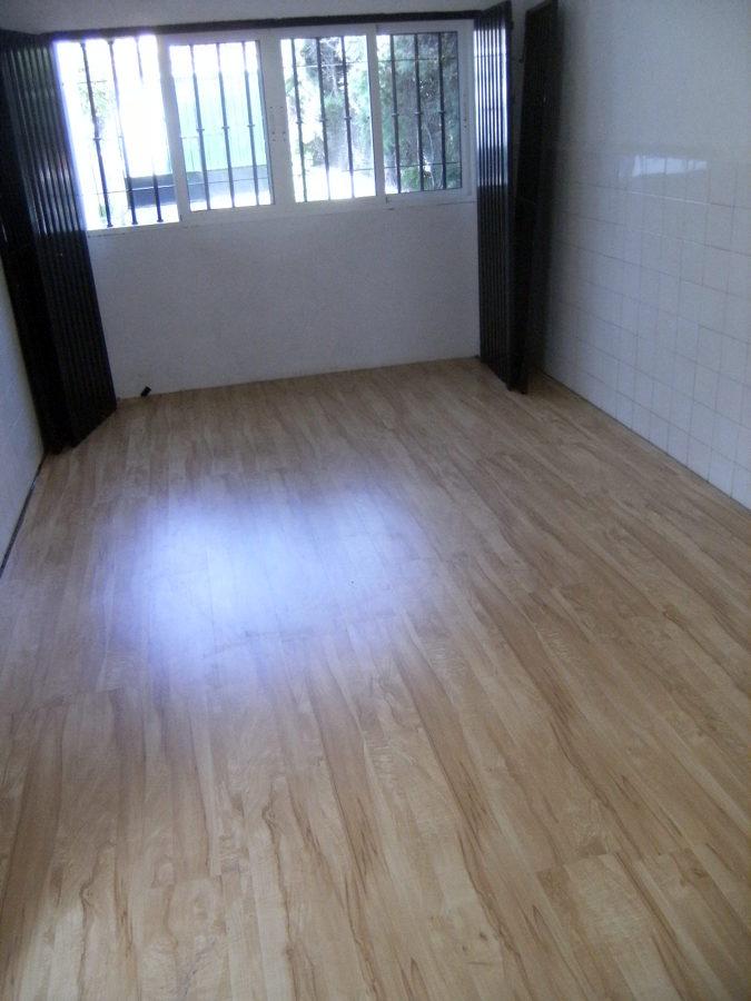 Foto garaje para sala de ni os de jlparquet 214649 for Suelos laminados valladolid