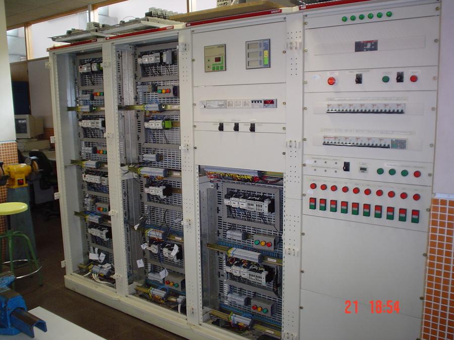 Instalación de cuadro eléctrico en Nave industrial