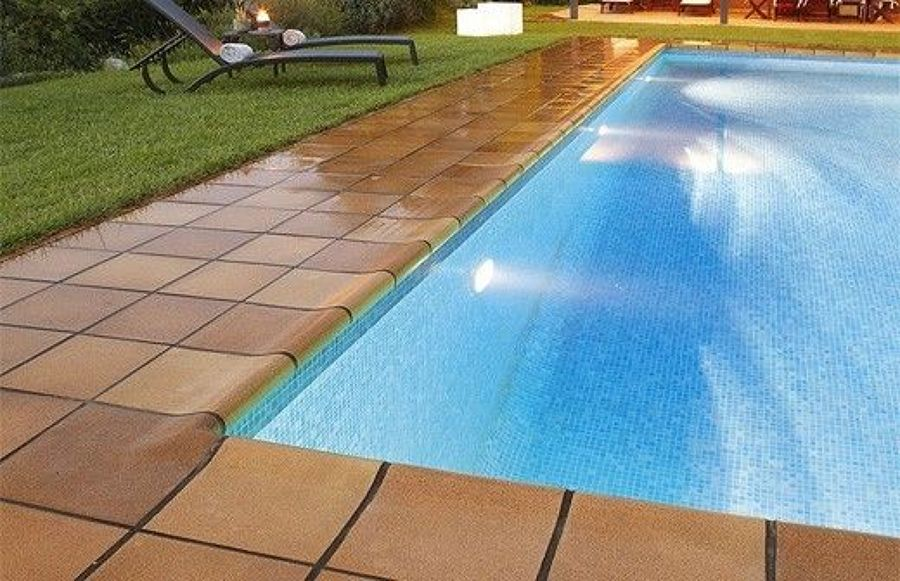 Foto exterior coronaci n piscina de soluciones acu ticas for Coronacion de piscinas