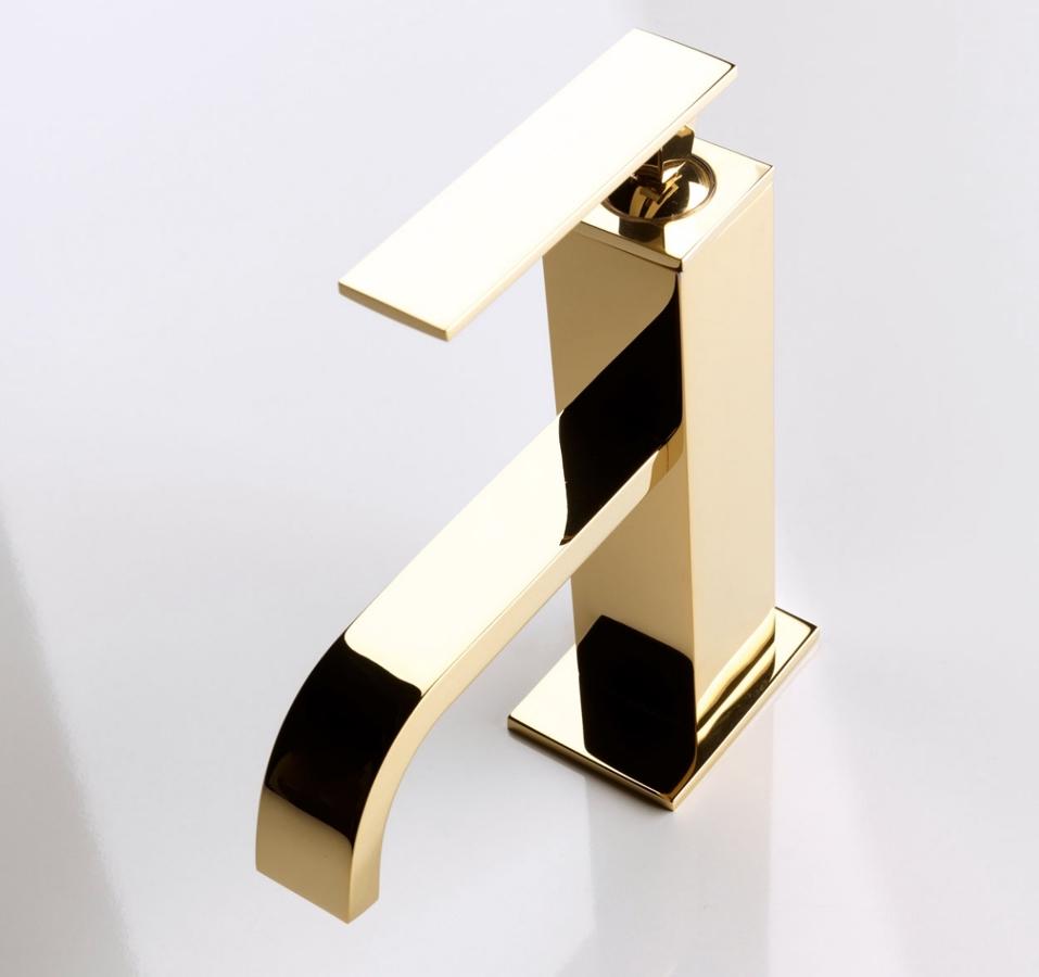 Foto griferia moderna en dorado de itaca design ba os for Griferias y accesorios para banos