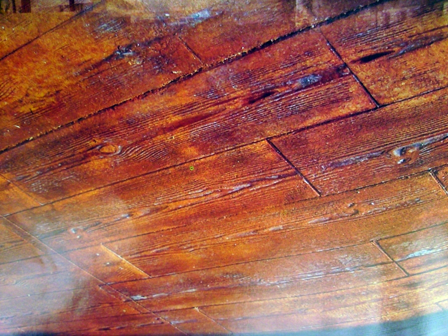 hormigon impreso  imitacion a madera.