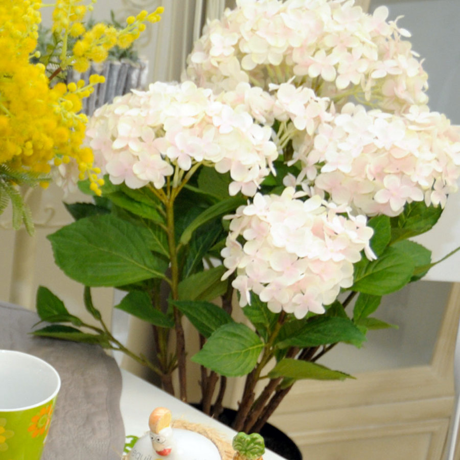 Foto hortensias artificiales de - Decoracion con hortensias ...