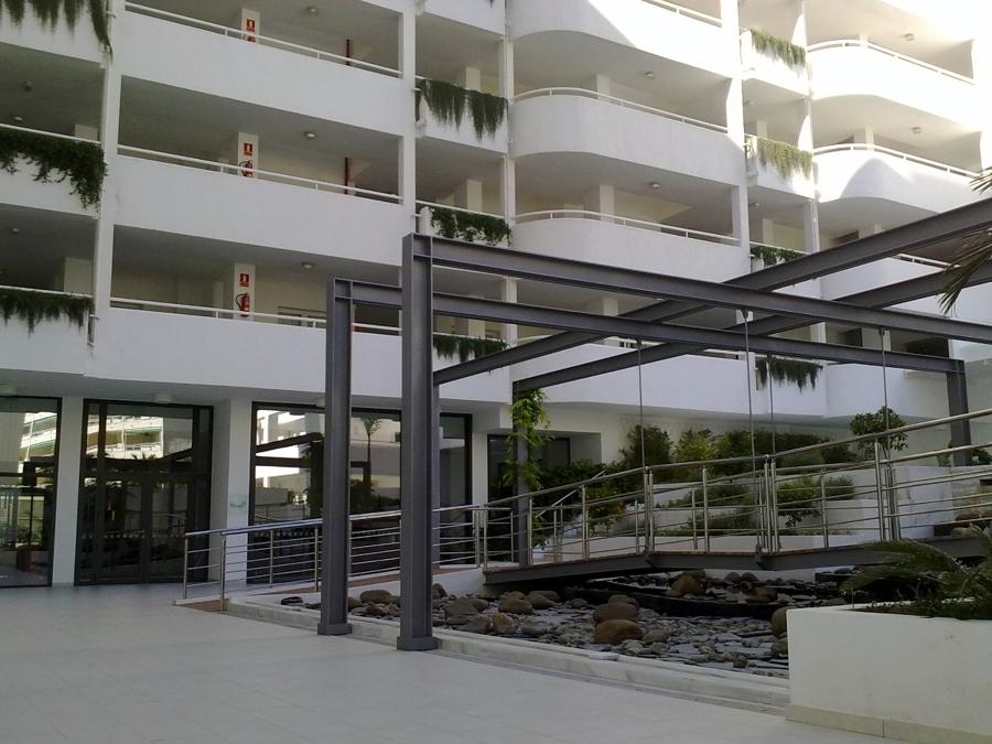 Foto hotel hapimag marbella reforma de zonas comunes de for Piscina ramirez granada