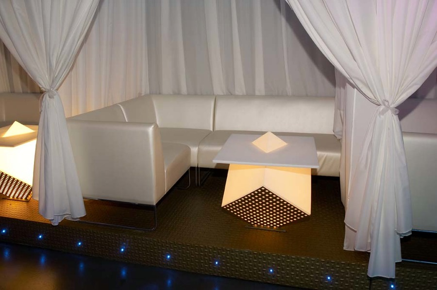http://www.facebook.com/pages/Brand-PLUS-Sevilla-Agencia-Comercial/107377955999540