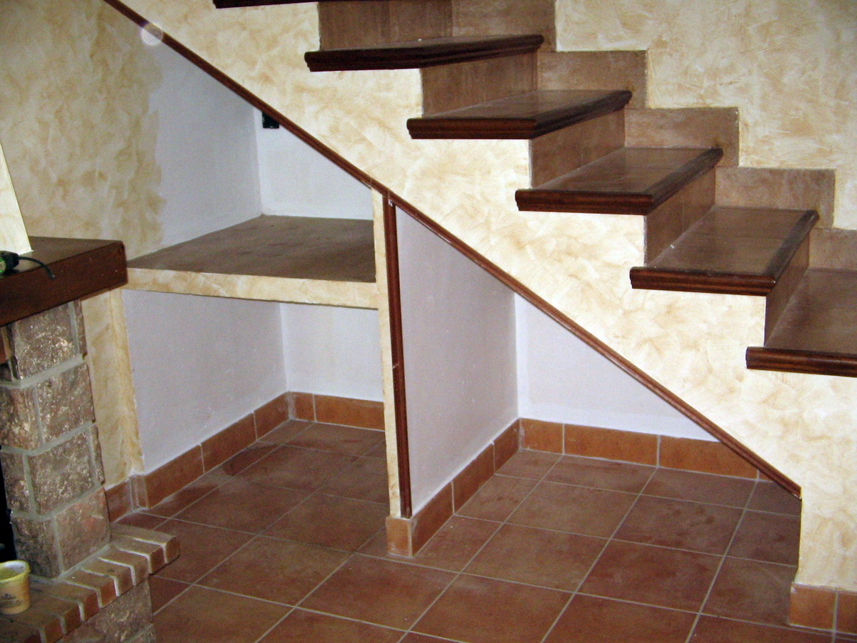 Foto hueco de escalera de construccionesfb 264350 for Huecos de escaleras modernos