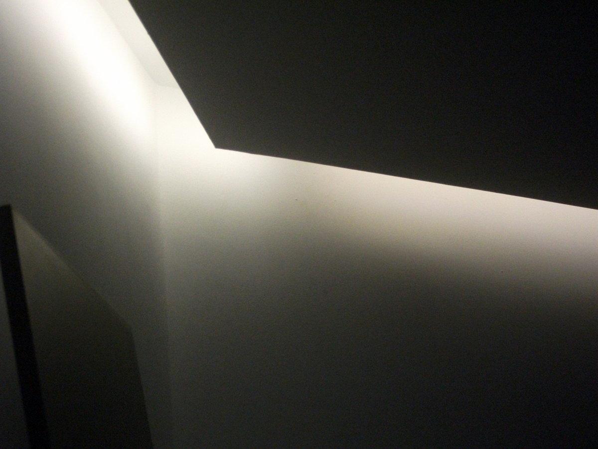 Foto iluminaci n indirecta con tiras led de alfa projects - Iluminacion falso techo ...