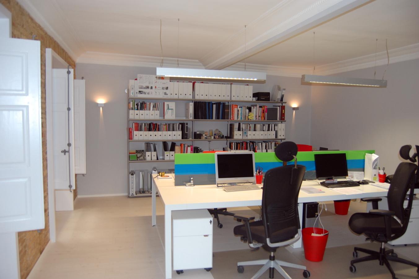 Foto iluminacion oficina de electricidad lafuente 208705 habitissimo for Imagenes oficinas modernas