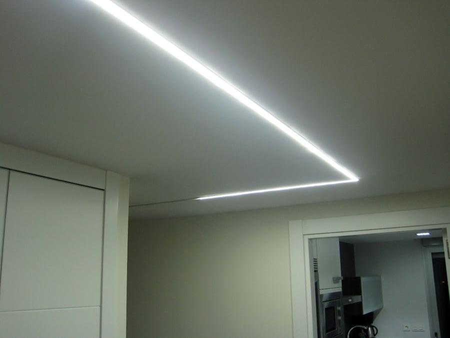 Foto iluminar el pasillo con leds de masluzactual 295472 - Iluminacion con leds ...