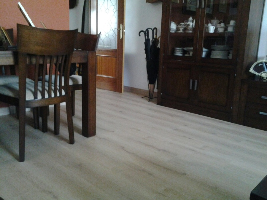 suelo laminado en vivienda