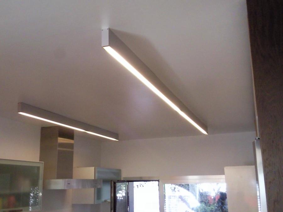 Foto aplicacion led perfil superficie cocina de bonaire - Iluminacion cocina led ...