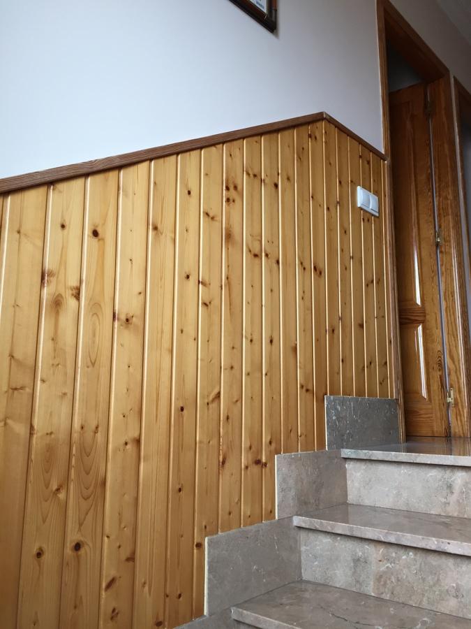 Foto forrar pared de madera de zavidecor 1122848 for Forrar paredes barato
