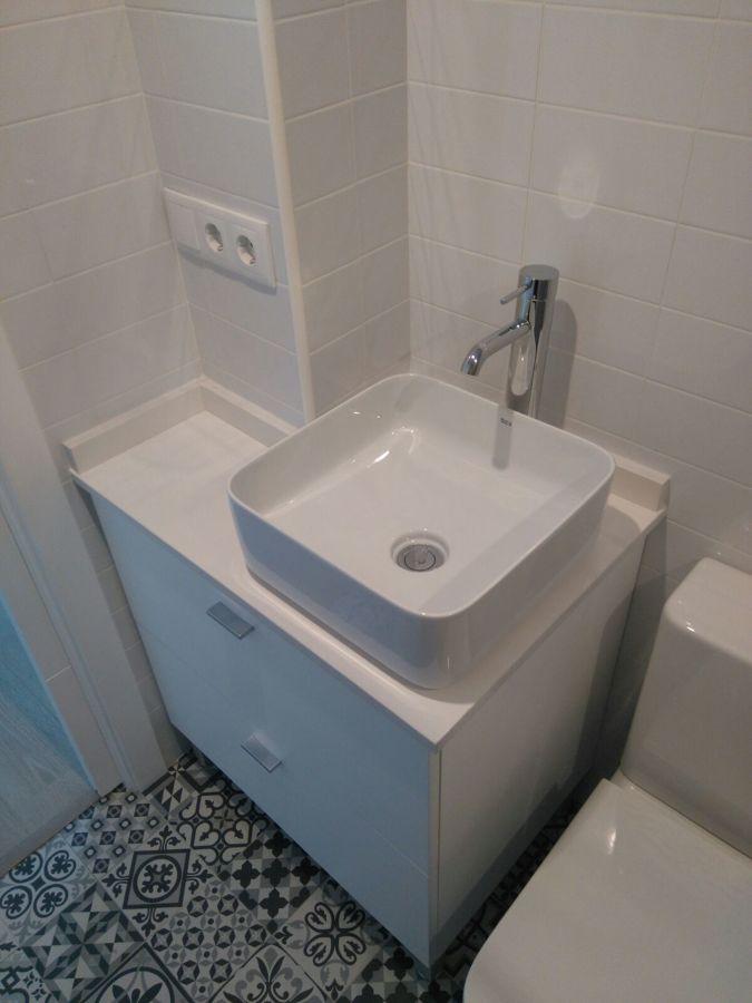 Mueble de baño realizado a medida por nuestro carpintero