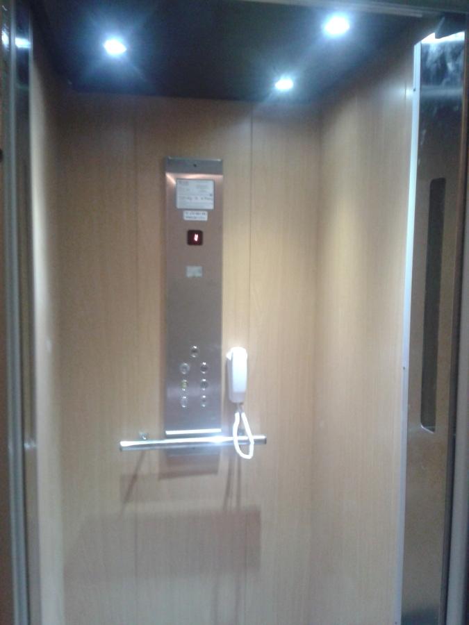 interior cabina afford