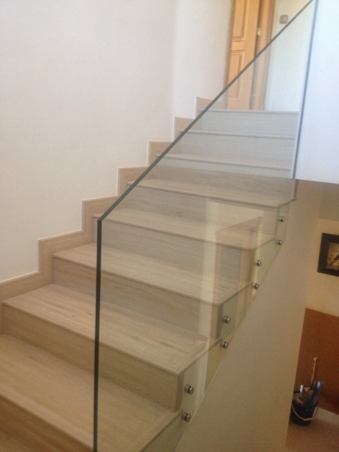 Foto forrado de pelda os de escalera de construcciones - Escaleras de peldanos ...