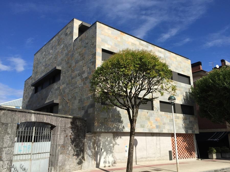 Foto aplacado de piedra en fachada de construcciones sorribero 1071101 habitissimo - Aplacado piedra fachada ...