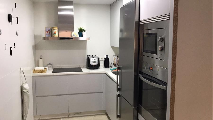 Cocina en apartamento.