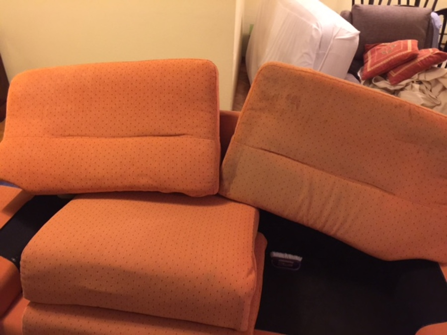 Sofá Rústico color naranja