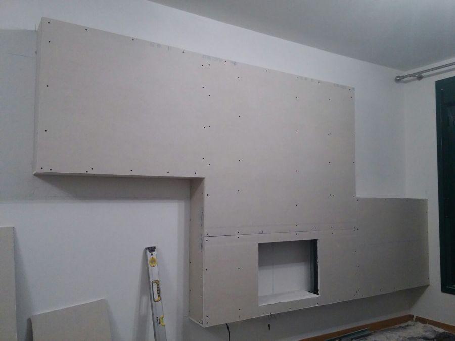 Foto mueble de pladur para ocultar chimenea de reformas - Mueble para chimenea electrica ...
