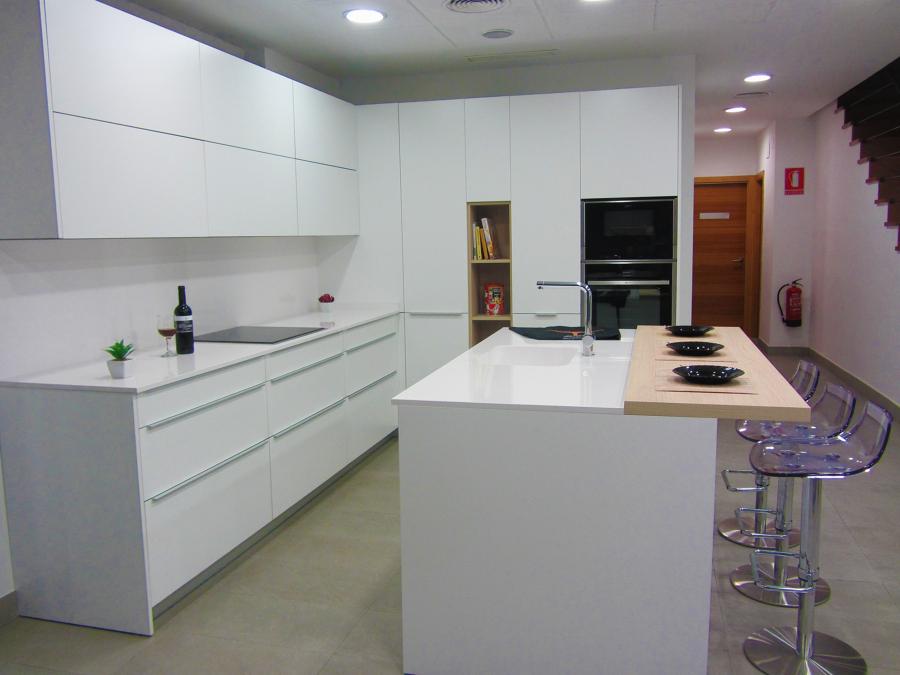 Foto cocinas malaga de xey malaga estudio r berlanga 1014985 habitissimo - Cocinas xey barcelona ...