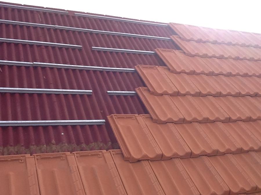 Foto teja plana encima de onduline de elite reformas - Clases de tejas para tejados ...