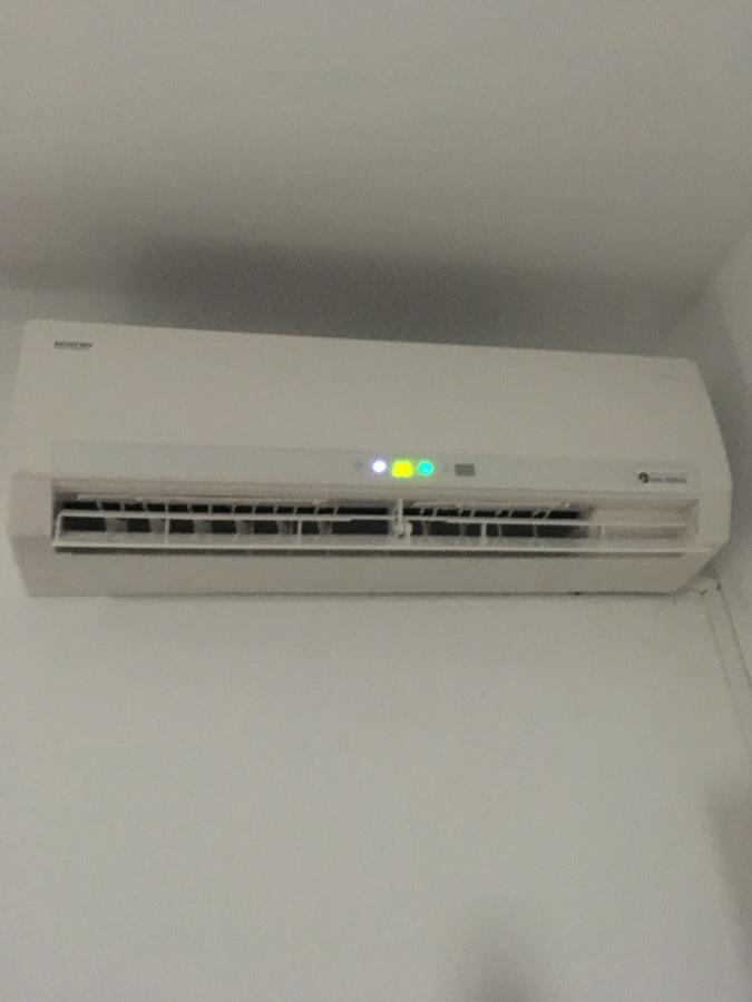 Instalacion maquina de aire acondicionado Kosner