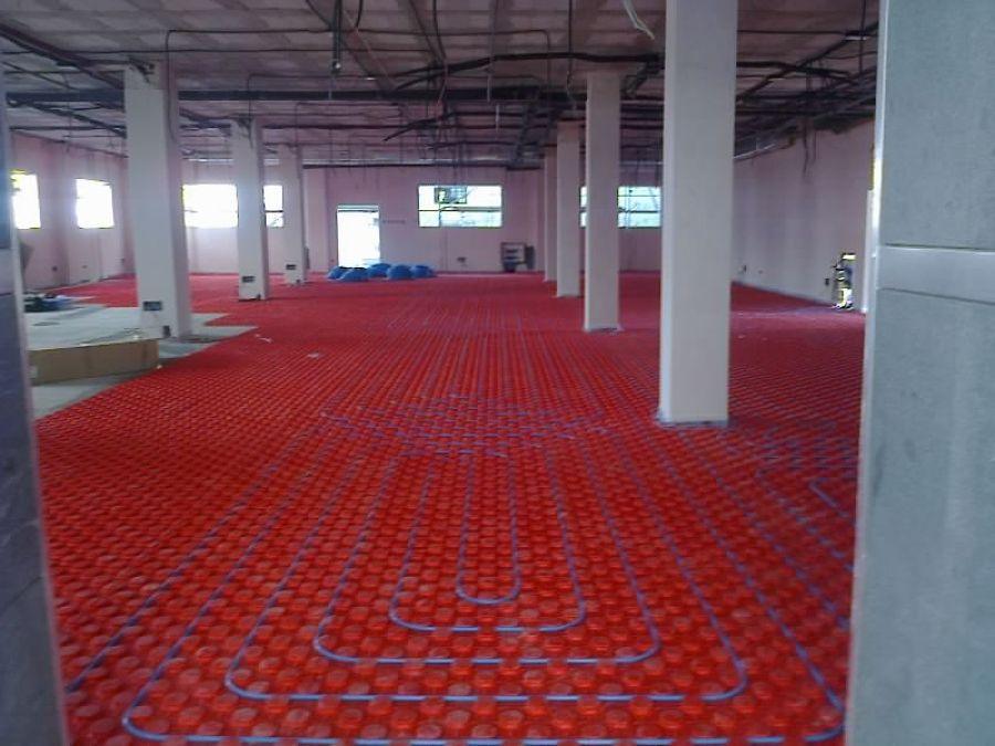 Foto suelo radiante de oficina de empleo de climtel for Oficina empleo ourense