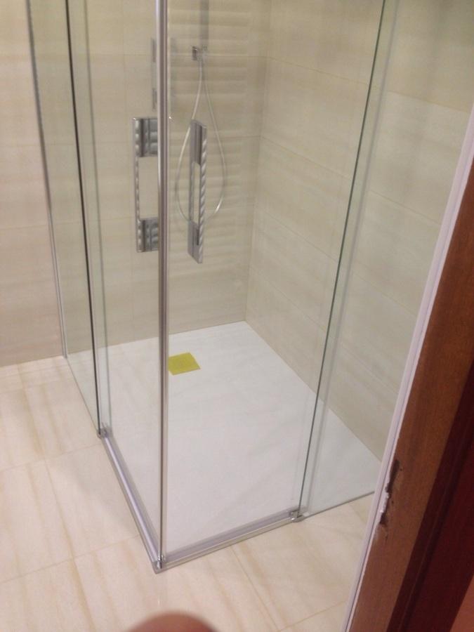 Foto plato de ducha extraplano antideslizante de - Plato ducha antideslizante ...