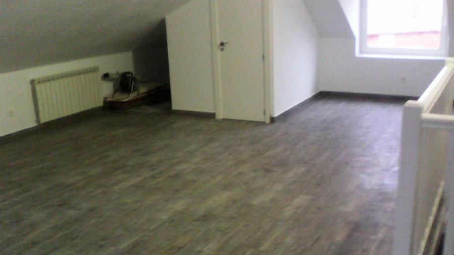 Foto suelo de baldosa imitaci n madera de javier - Baldosas imitacion madera ...