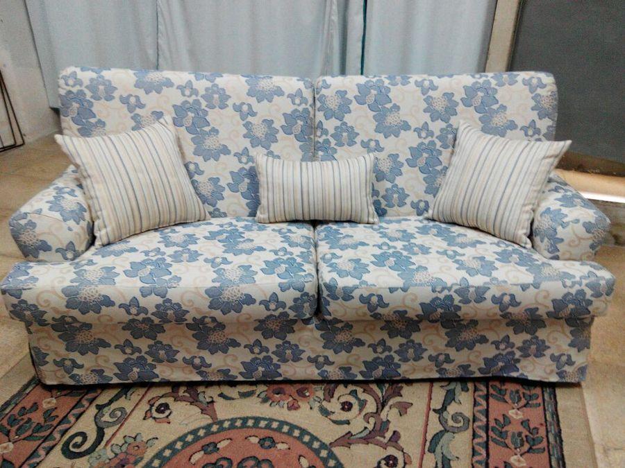 Sofa cama tapizado en Cretona