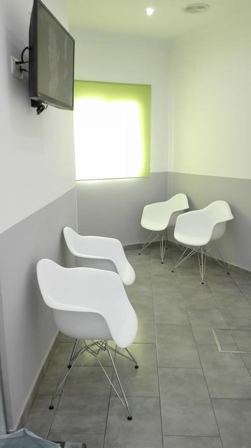 Nueva sala de espera en clínica dental