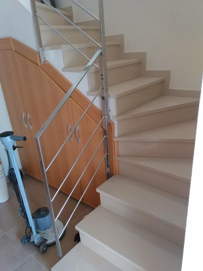 Tambien realizamos pulidos de escaleras y lugares de dificil acceso