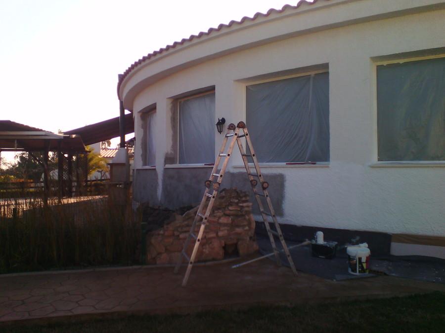 pintado con revestimiento de fachada