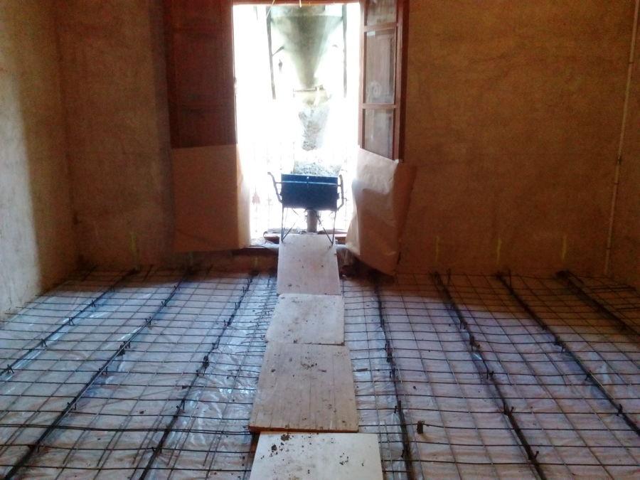 Construcción de forjado mixto de madera y hormigón