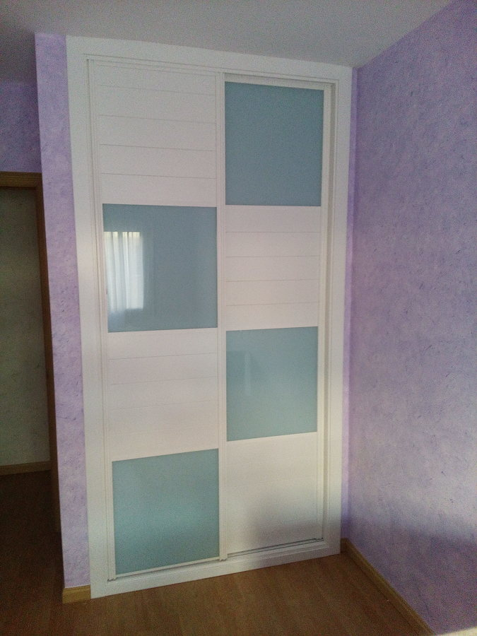 Foto frente de armario corredera modelo benet de juan - Frente armario corredera ...