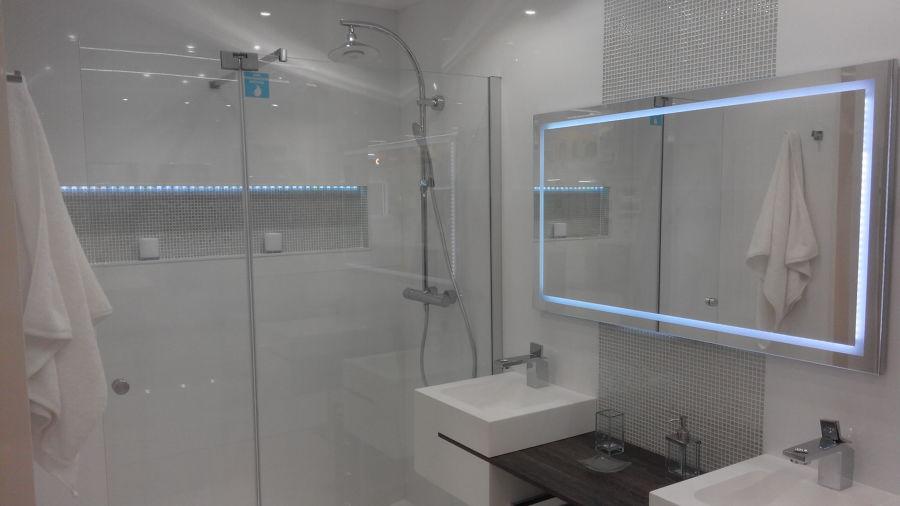 Cuarto de baño, espejo LED