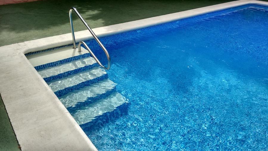 Impermeabilización de piscina con lámina PVC armado
