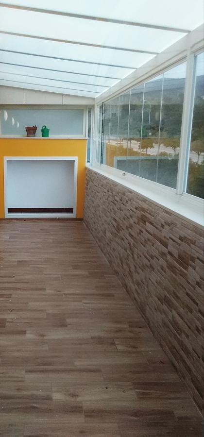 Suelo + alicatado pared