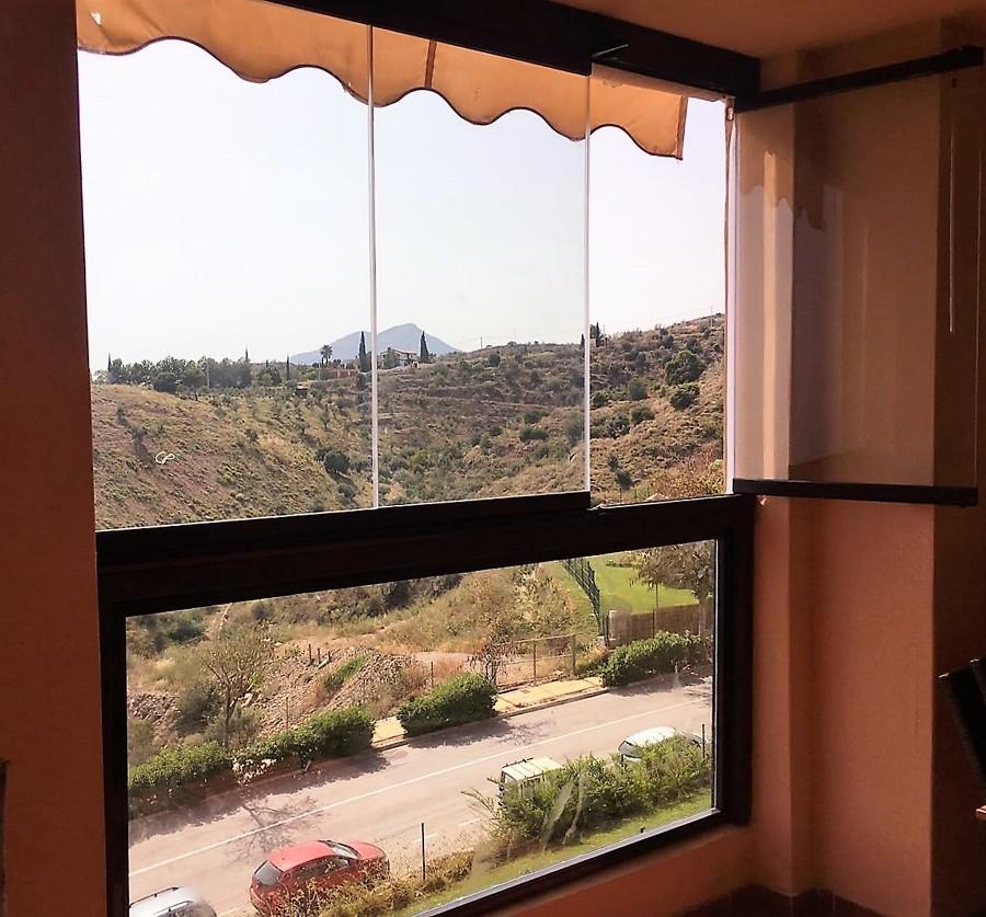 Instalación de cortina de cristal en Rincón de la Victoria