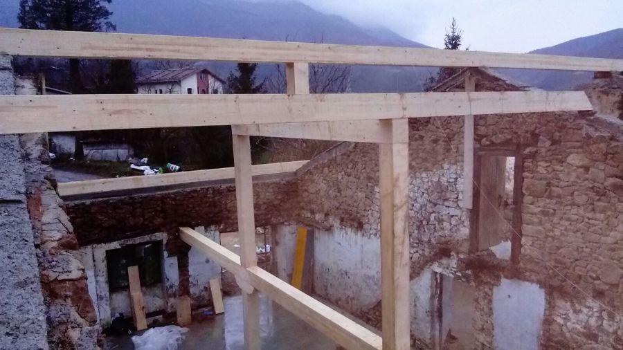 Foto estructura de madera caser o zegama de for Tejados madera vizcaya