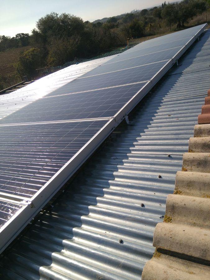 Foto placas solares de instaroses 1611578 habitissimo for Placas solares barcelona