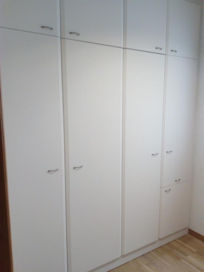 Como pintar un armario cool eso significa que se adhiere - Pintar armario de madera ...